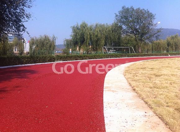 Asfalto de color de mezcla en frío aplicado en la pista de atletismo