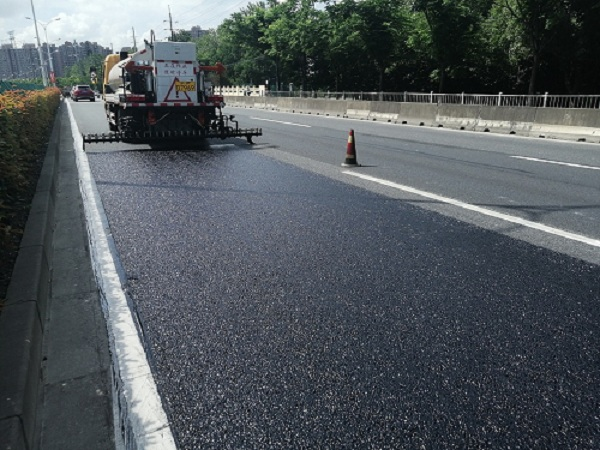 Go Green El sellador de asfalto de alta viscosidad en el proyecto de autopista de Shanghai se completó con éxito