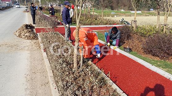 Pavimento de asfalto de color de mezcla fría aplicado en el área de la villa